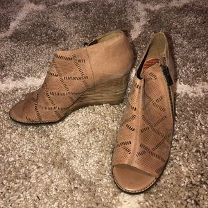 Lucky Brand Brown Ankle Toe Booties CUTE